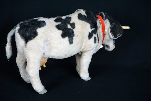 1970's BATTERY OPERATED TIN TOY COW