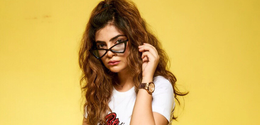 Interview with Celebrity Stylist Sanya Khurana : Retro Kolkata Exclusive