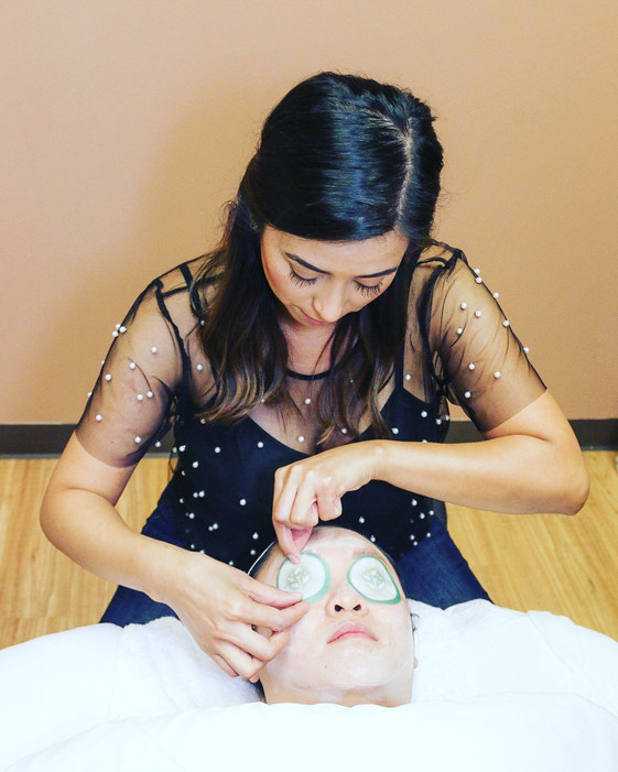 Facial to reduce dark circles in Sugar Land, TX