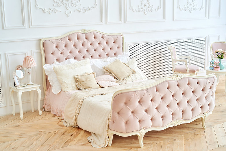 Big%20royal%20bed%20with%20pillows%20in%