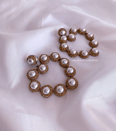 Serendipity White Pearl Gold Hearts