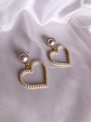 Belle Heart Pearl Earrings