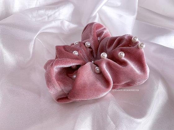 Pearl Velvet Scrunchie - Pink