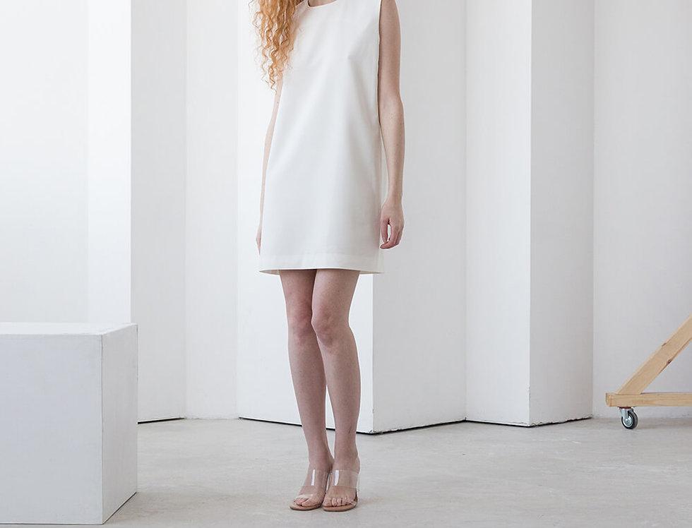 Туника-платье с вырезом квадратным вырезом-капелька на спине, молоко
