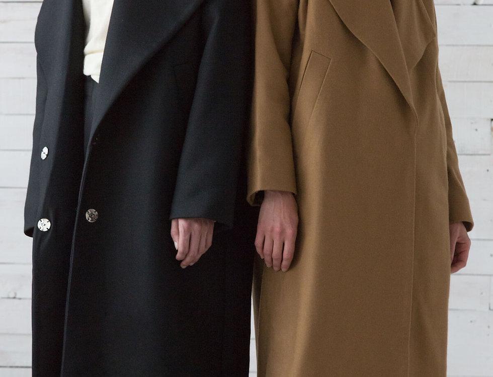 Пальто с большим лацканом, черное