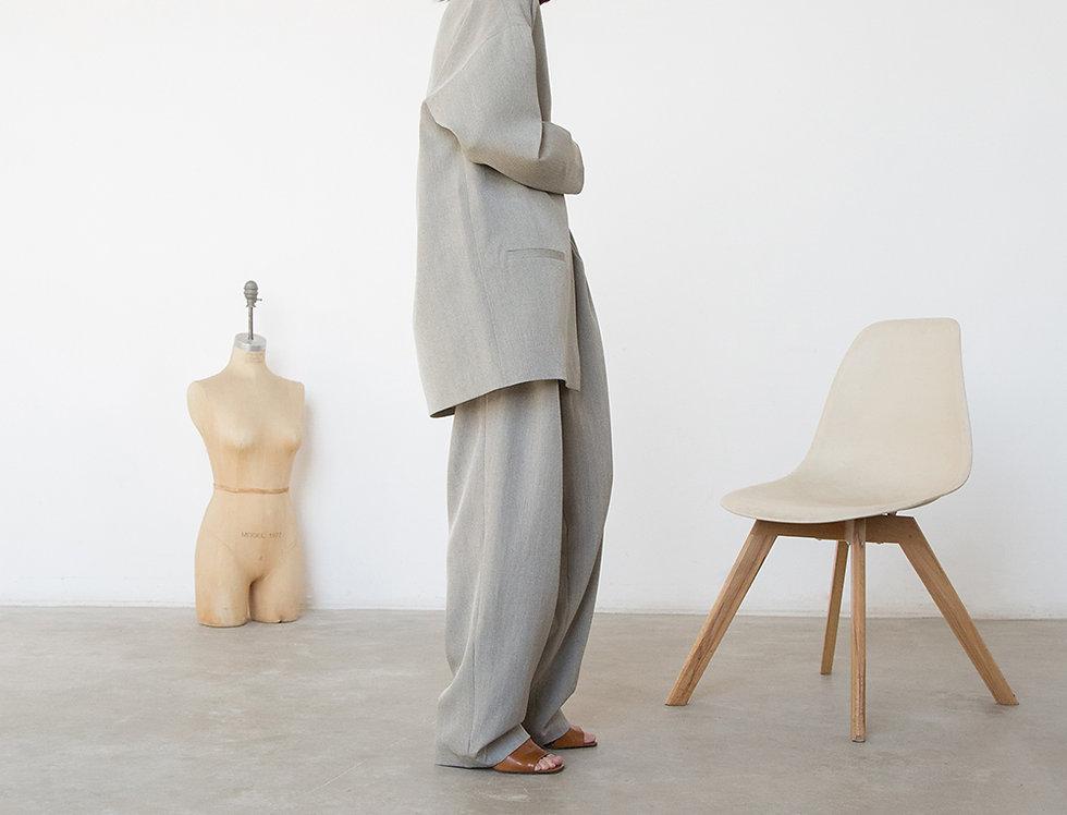 Жакет-планка со спущенным плечом, серо-бежевый в полоску