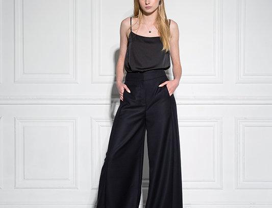 Широкие брюки без боковых швов