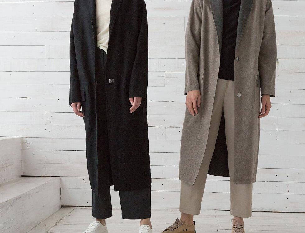 """Пальто прямого кроя с накладными карманами и воротником """"шалька"""","""