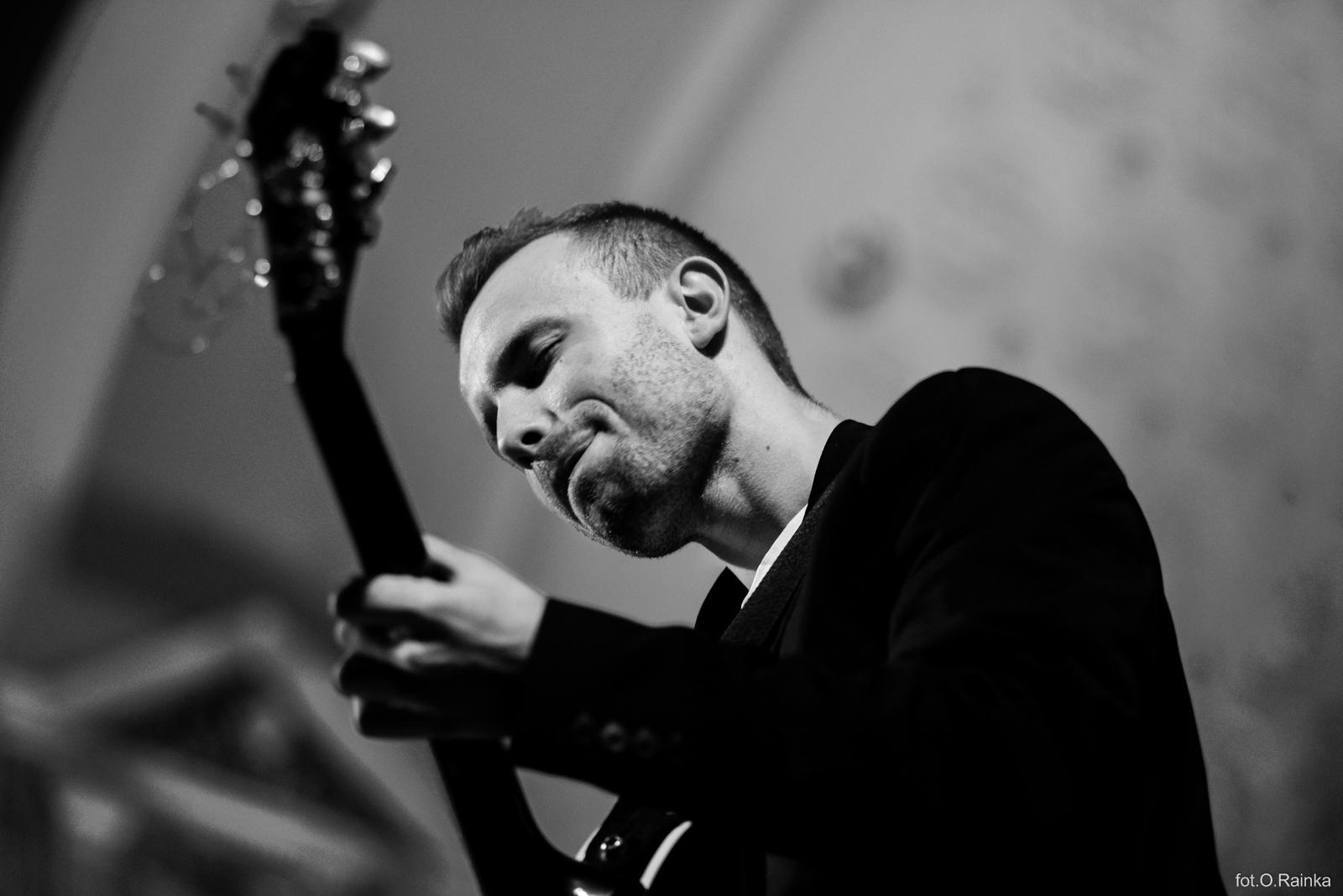 Dawid Kostka - gitara