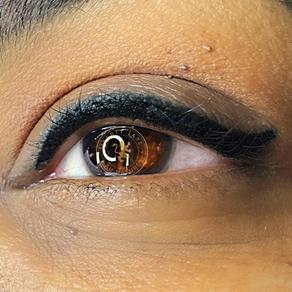 Curved Winged Eyeliner