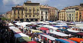 mercat-vic-placa-major_edited.jpg