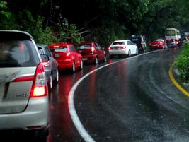 Safe driving tips during rainy season