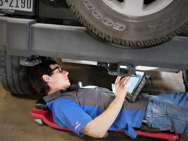 Key factors in finding an honest auto repair shop