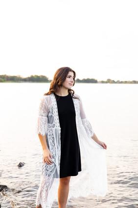 Leah Senior Photo 7.jpg