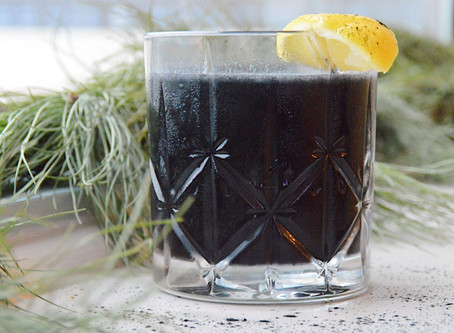 Healthy(ish) Holiday Cocktail: The Naughty Lister