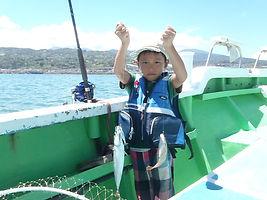 海真丸では家族で釣った魚を花長園旅館でフルコース