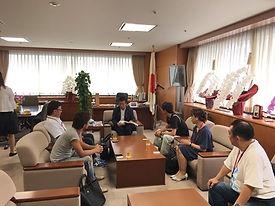 HONUMI全体出張で国会議事堂へ。経済産業省の大臣室です。