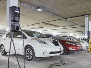 Condomínios começam a se adaptar pra carro elétrico.