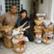 工房で貯蔵している国産漆の樽。