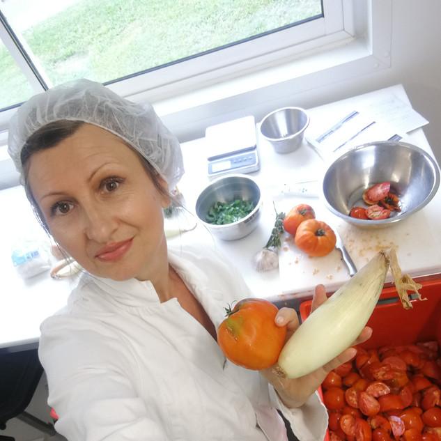 Conserves de tomates pour maison d'hôtes