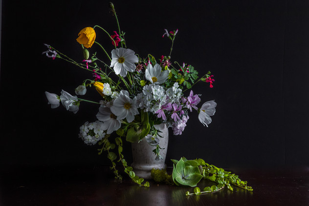 Bouquet with the yellow poppy flower