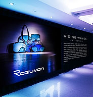 Razuvan_Shopping Mall Billboard Mockup.j