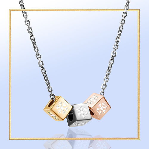 WW-Snowflakes_Necklace_in gold-frame-BG-