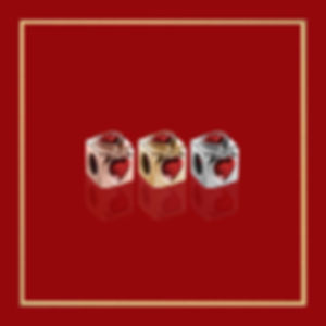 RUBY STONE Cube_in gold-frame_dark-red-1