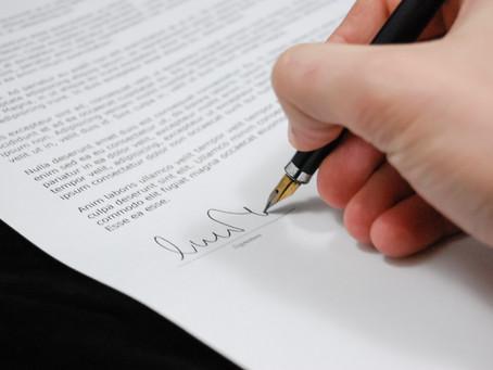 Por que os contratos em inglês costumam ser mais longos que os contratos em português? Versão 1