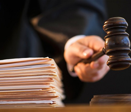 The challenges and pitfalls of legal translation