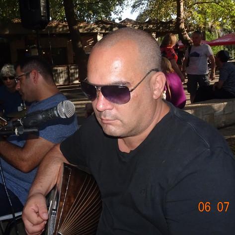 דקל בוזוקי
