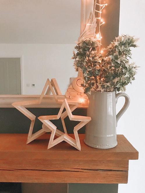 SET OF TWO WOODEN STANDING STARS