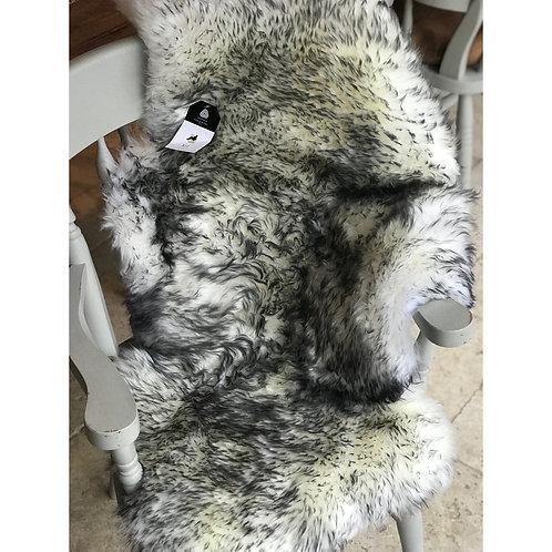 ARCTIC FOX SINGLE SHEEPSKIN