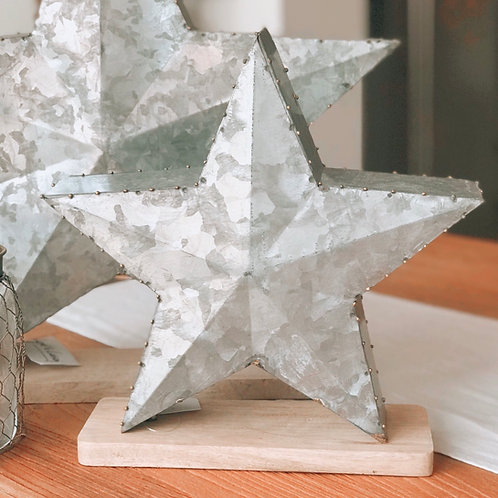 SMALL METAL STAR WITH WOODEN BASE