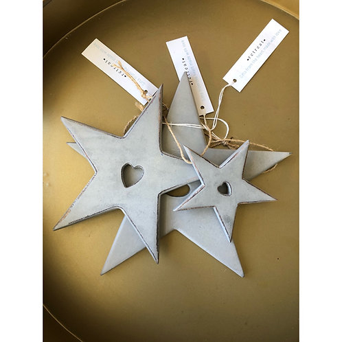 SET OF 3 HANGING STARS WITH HEART DETAIL