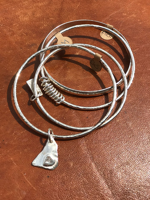 BANGLE WITH HEART TAG