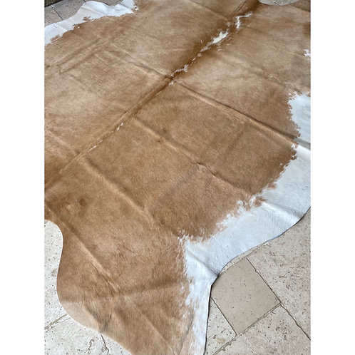 COWHIDE BEIGE WITH WHITE EDGE