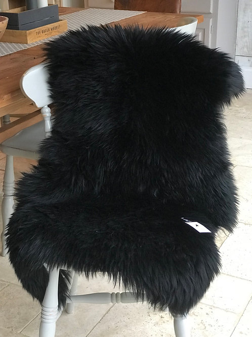 JET BLACK SHEEPSKIN RUG