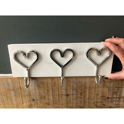 3 HEART HOOKS