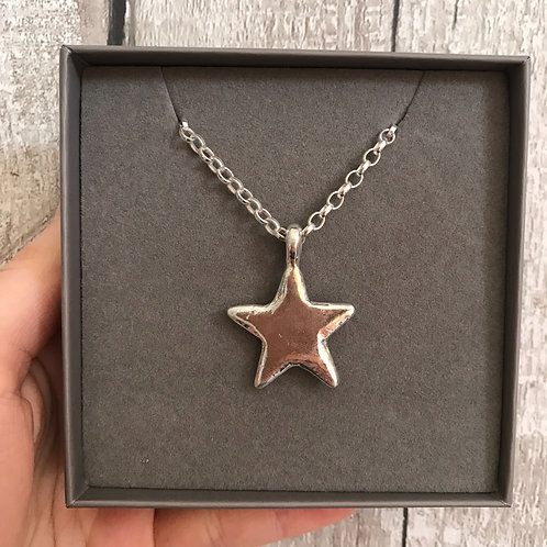 CHUNKY STAR NECKLACE