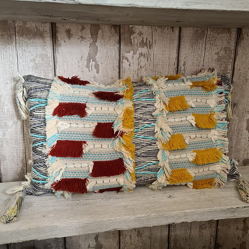 TASSLE TEXTURED RECTANGULAR CUSHION