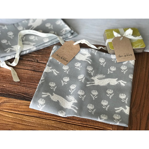 SAM WILSON SET OF 4 FABRIC NAPKINS