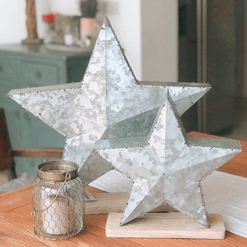 LARGE METAL STAR WITH WOODEN BASE