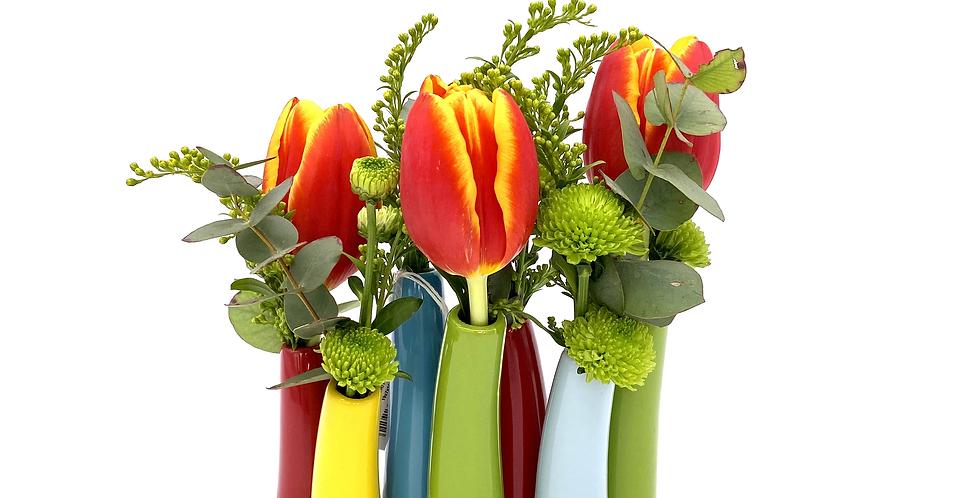 Minivasen lang mit Blumen der Saison