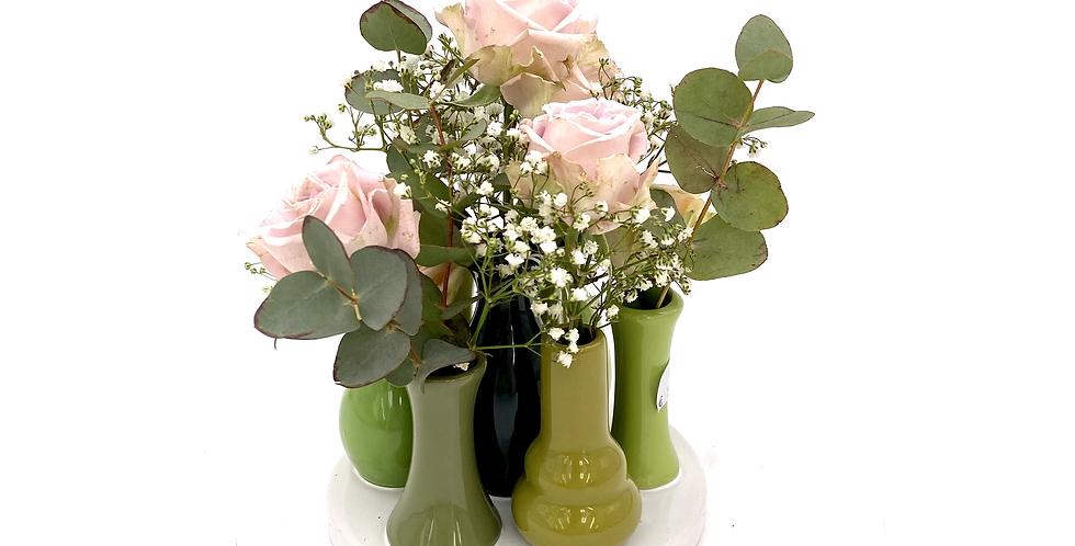 Minivasen rund mit Blumen der Saison