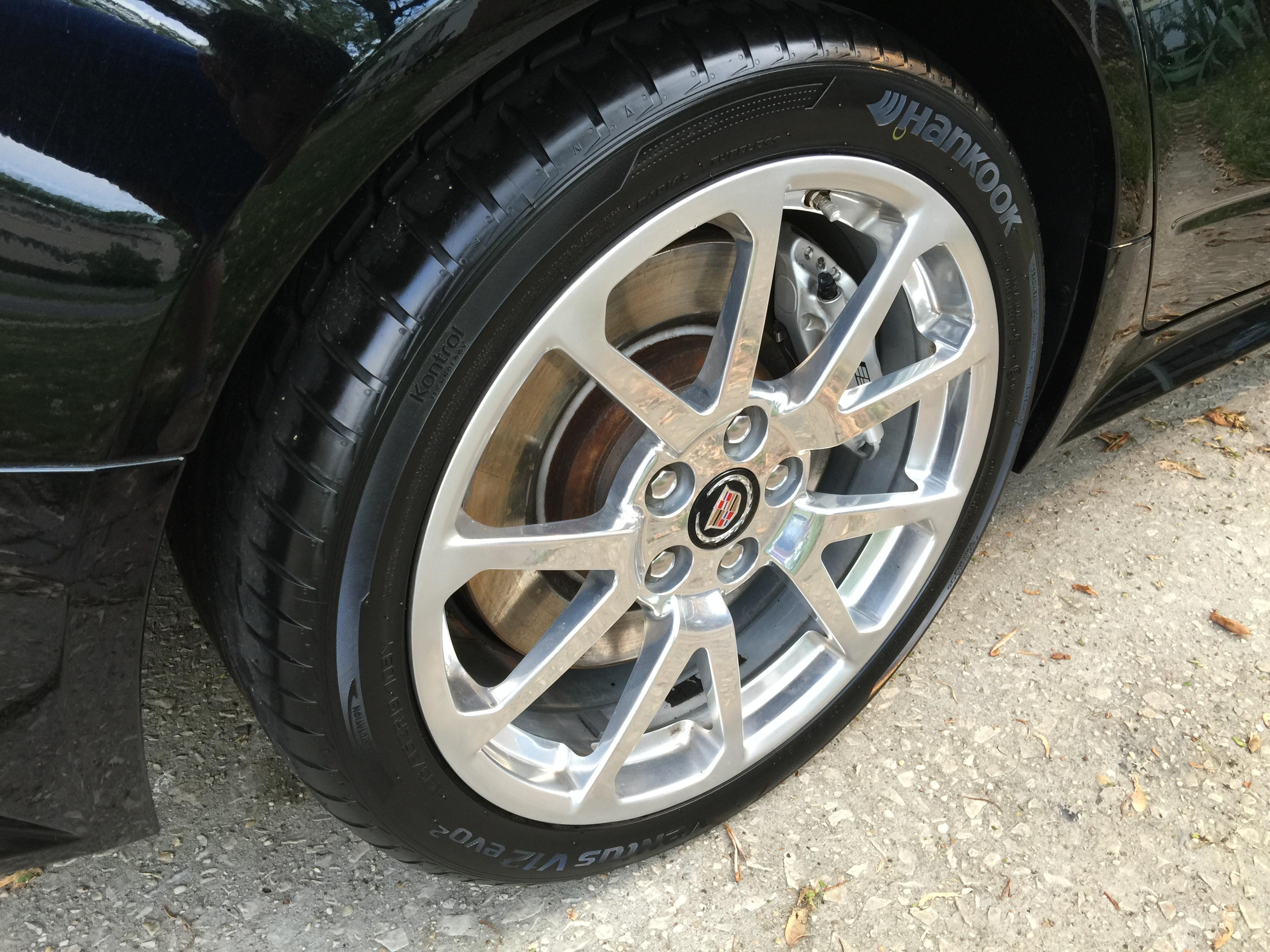 CTS-V spotless wheel.jpg
