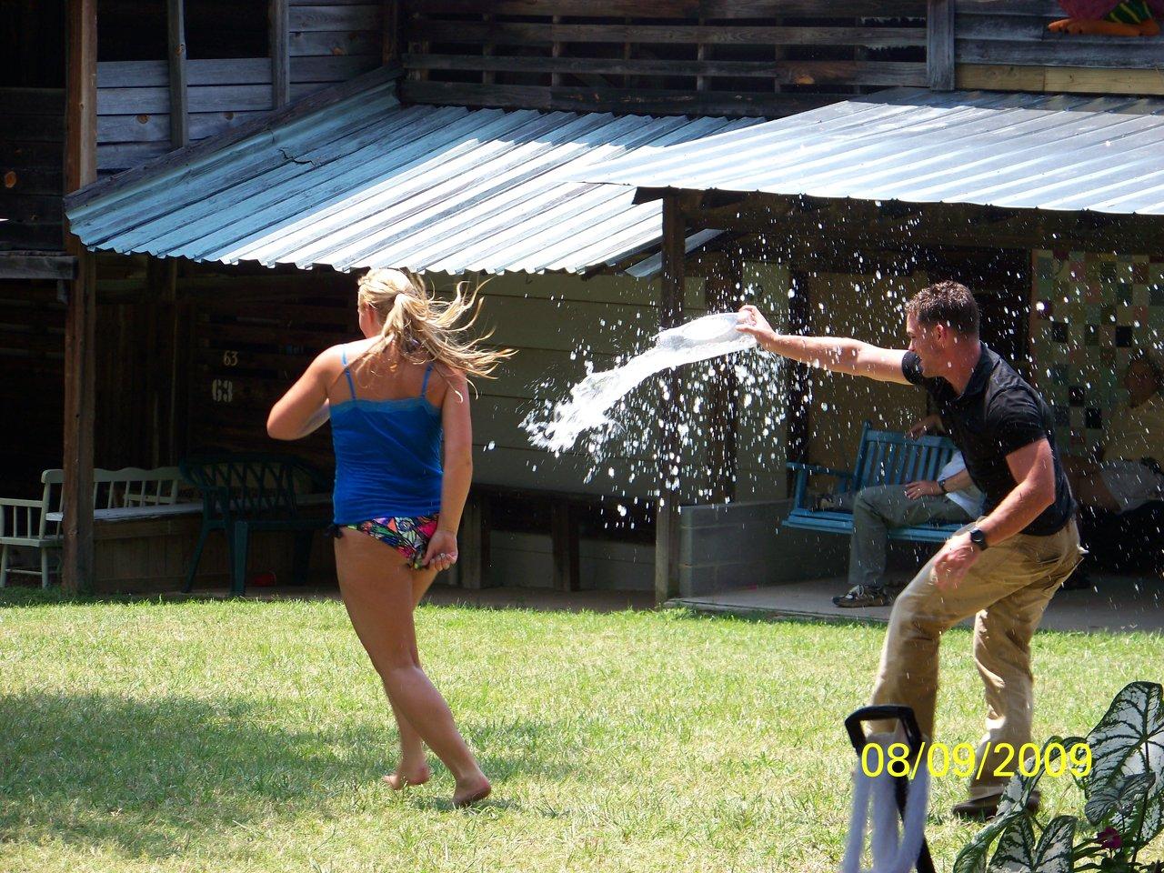 Water fighting 2009