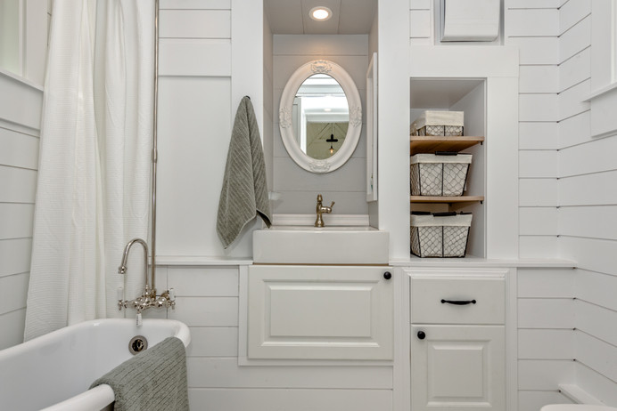 Summit Tiny Homes (The Heritage) Bathroom