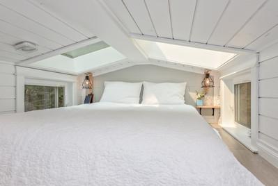Summit Tiny Homes (The Heritage) Bedroom
