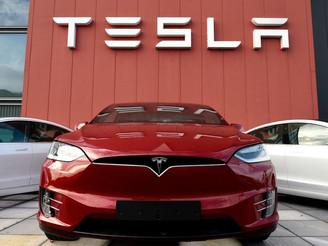 Artık Tesla'nın Ödeme Yöntemleri Arasında Bitcoin Bulunuyor !
